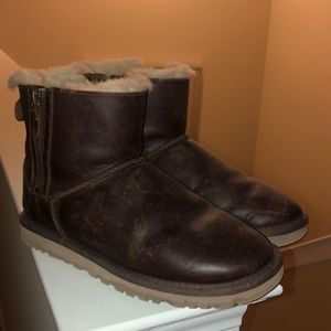 Ugg mini leather Sherpa lined zip up boot